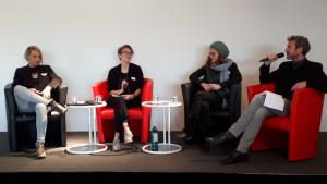 Foto: Kerstin Heinemann, Mara Fessmann, Julia Krüger und Joachim Frank auf dem Podium