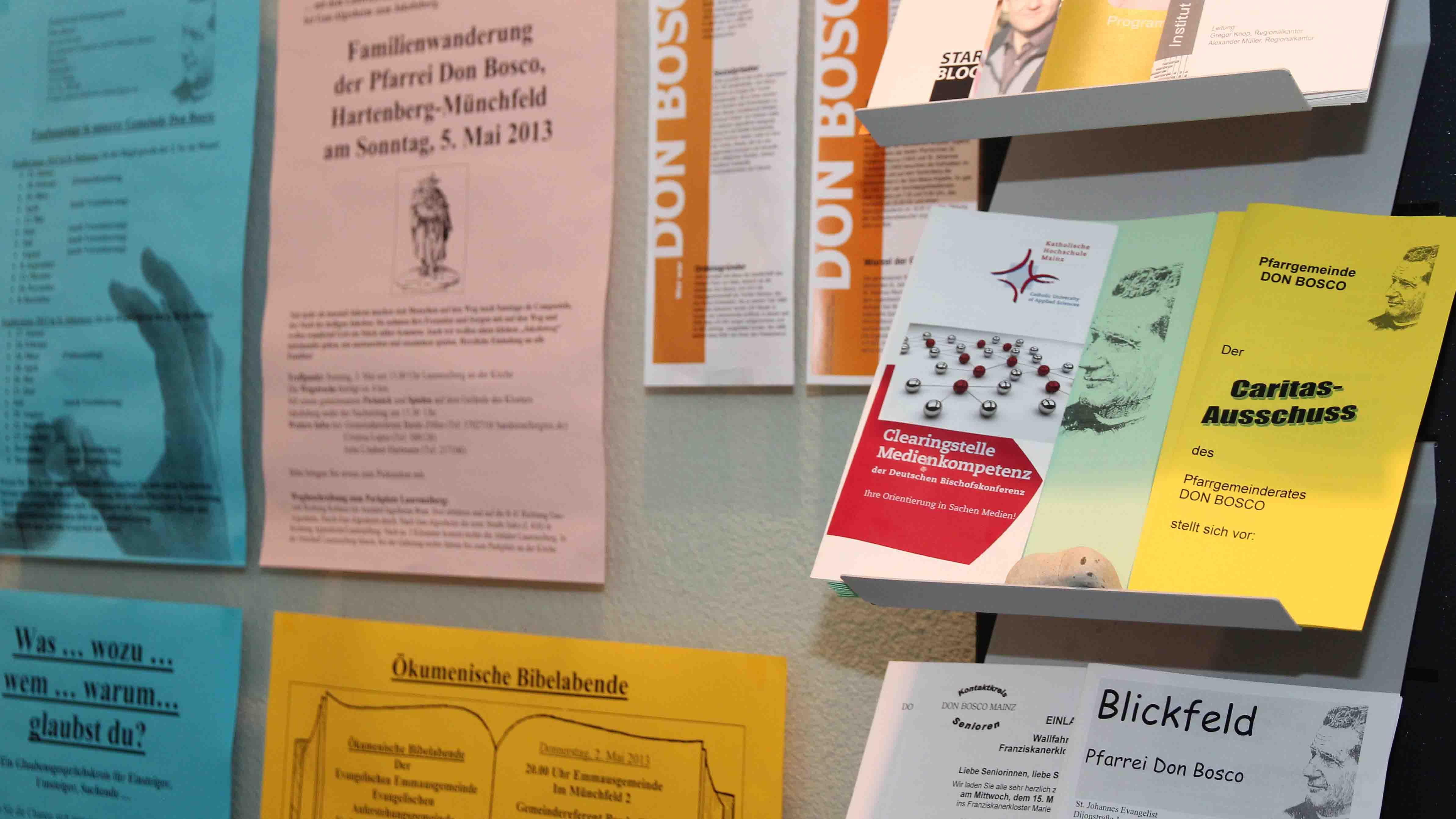 Flyer und Faltblatt