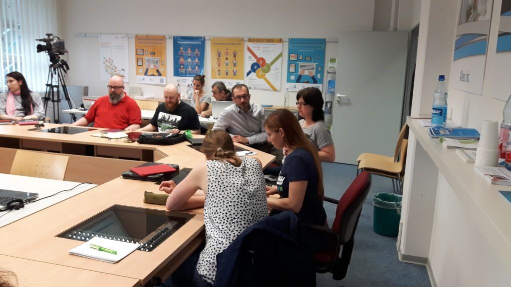 Diskussion der Teilnehmenden: Unter welchen Bedingungen würde man eigene Materialien als OER zur Verfügung stellen?